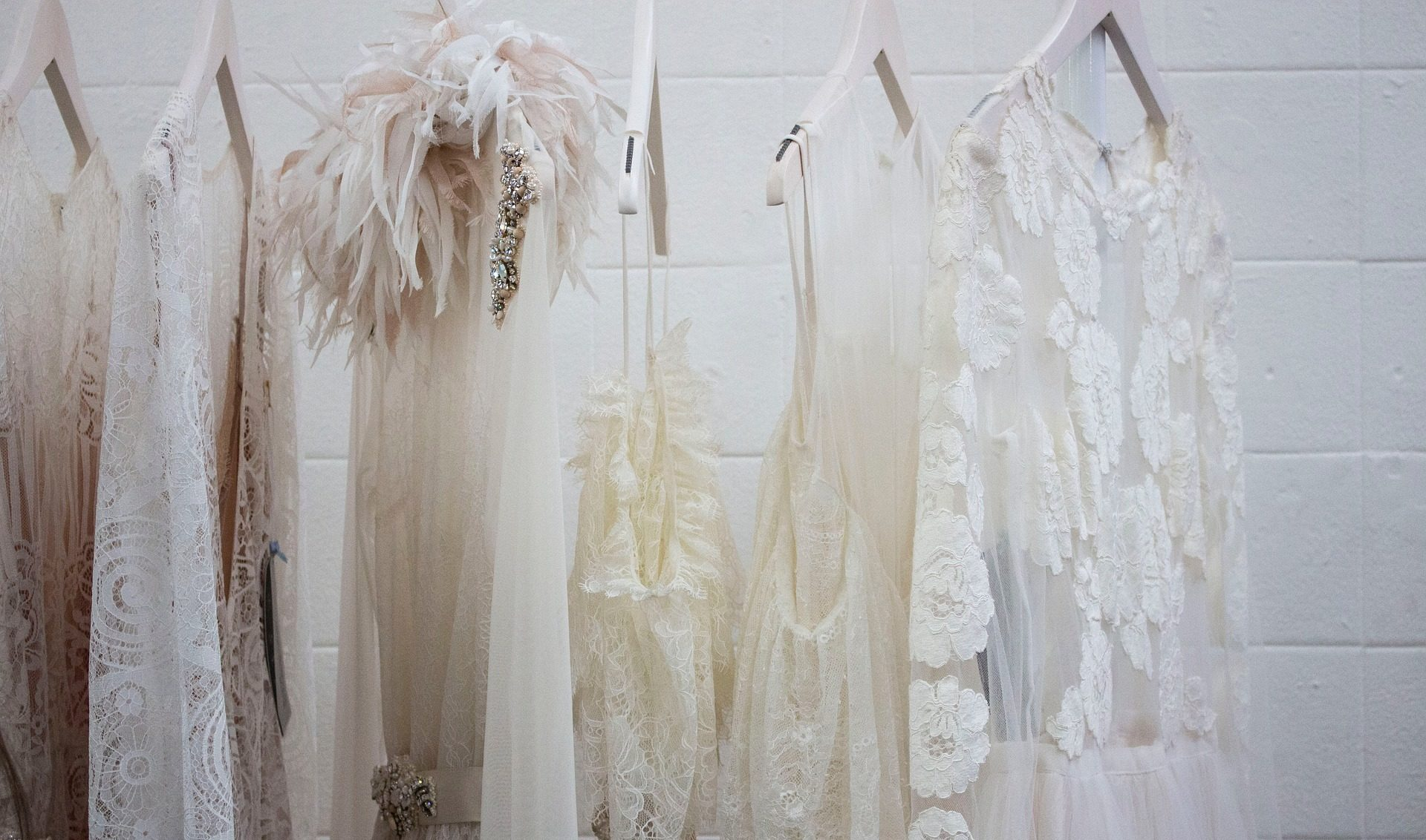 How To Wear A Victorian Style Wedding Dress Well Clearwell Castle